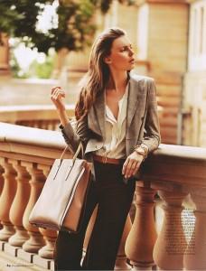classy-woman-casual-elegance